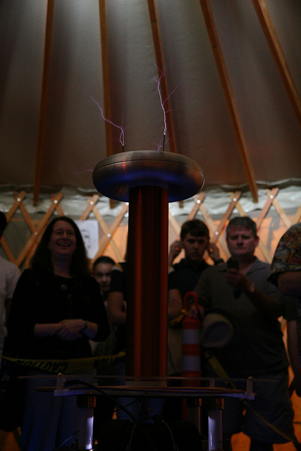 """Radio Fryer"" Tesla Coil at the East Bay Mini Maker Faire, 2011"